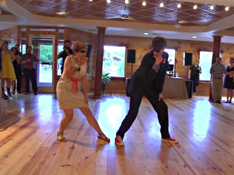 You Ll Love This Special Mother Of Wedding Dances Tiphero