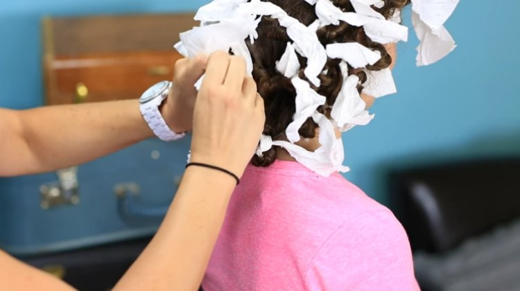 Use paper towels to do overnight no-heat rag curls