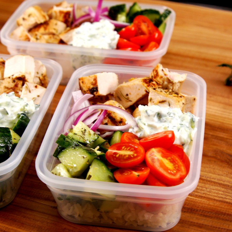 Prep a week's worth of healthy lunches in just 40 minutes with our fresh combo of Greek chicken, tzatziki sauce, Mediterranean cucumber salad, and brown rice.