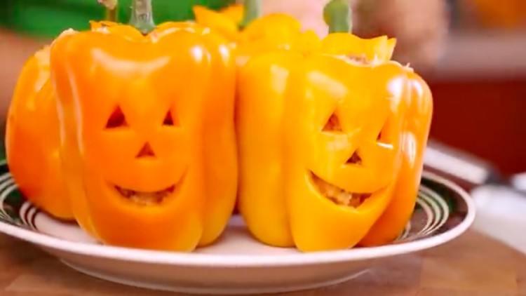 Halloween stuffed peppers