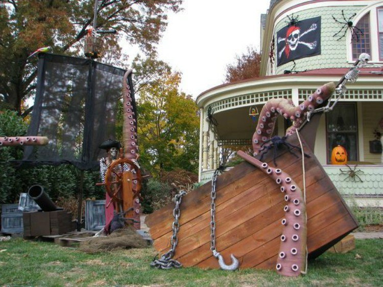 Pirate lawn landscape.