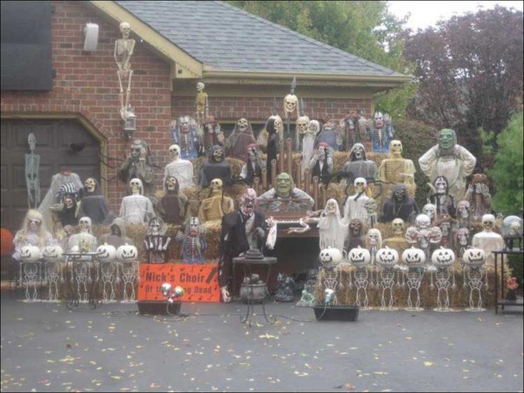 Undead choir Halloween decor.